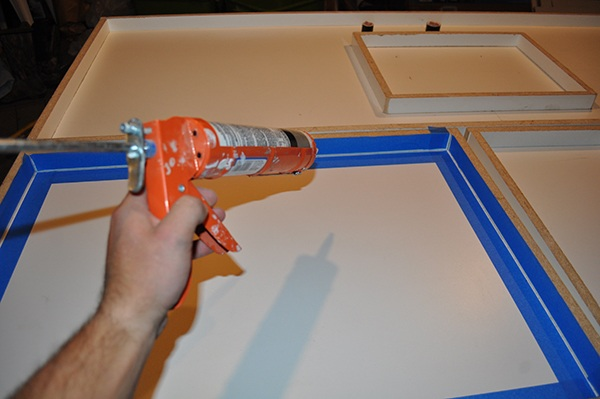 applying-caulk