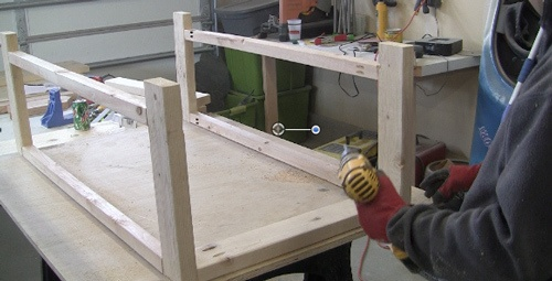attaching-farm-house-table-ends