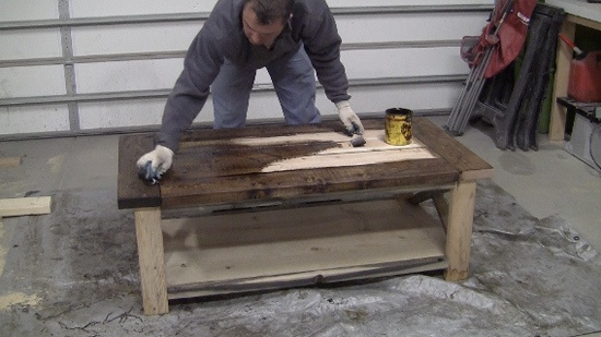 How To Build And Distress Farmhouse Style Coffee Table