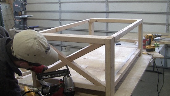 side-x-cross-supports-farm-table