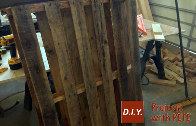 How-to-make-a-wine-pallet-wine-rack