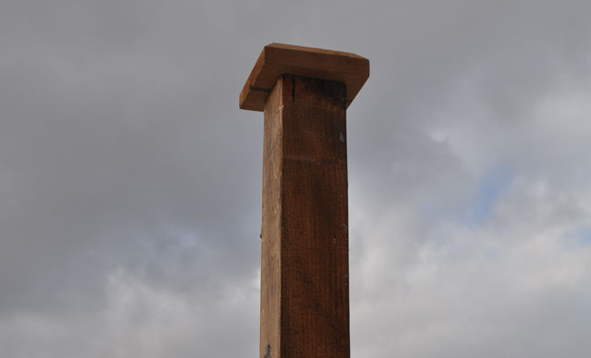 decorative-post-top-for-sign-post