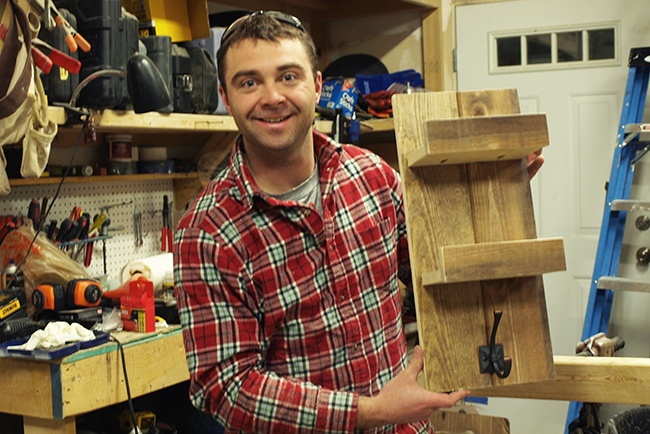 diy-pete-how-to-build-a-wooden-towel-rack-pete-with-rack