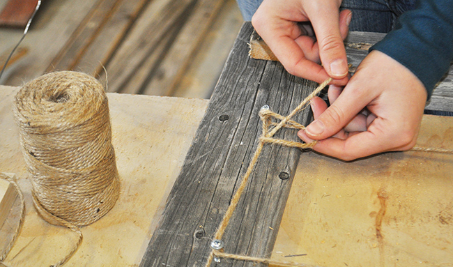 diy-pete-how-to-make-a-barnwood-photo-display-frame-twine-knot