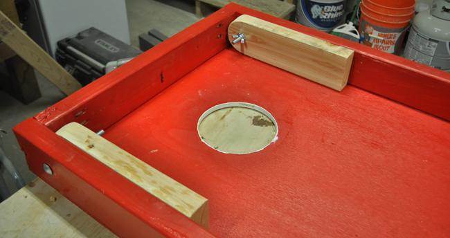 folding-legs-for-cornhole-board
