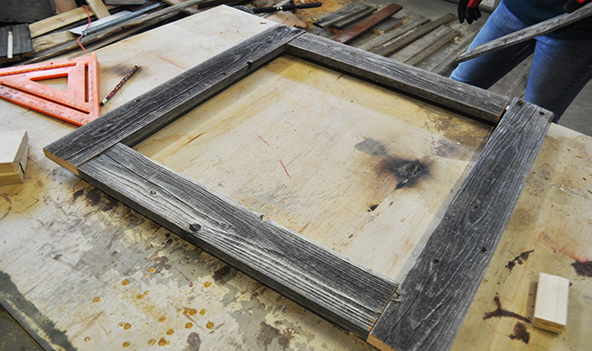 how-to-make-a-barnwood-photo-frame-layout