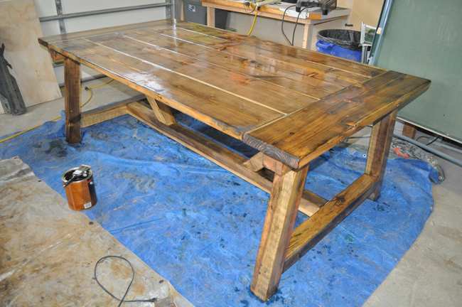 how-to-stain-a-farm-table