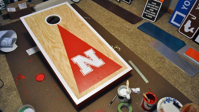 husker-cornhole-board