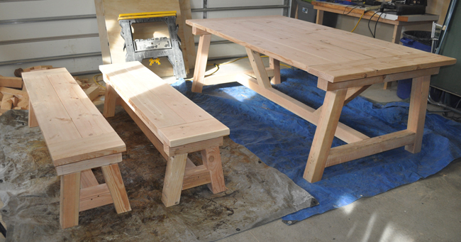 How to Build a Farmhouse Table : rustic furniture finish ideas from www.diypete.com size 650 x 341 jpeg 191kB