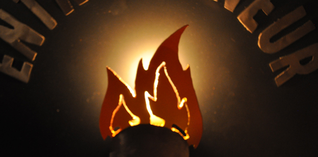 metal-sign-with-flame-entrepreneur-on-fire-logo