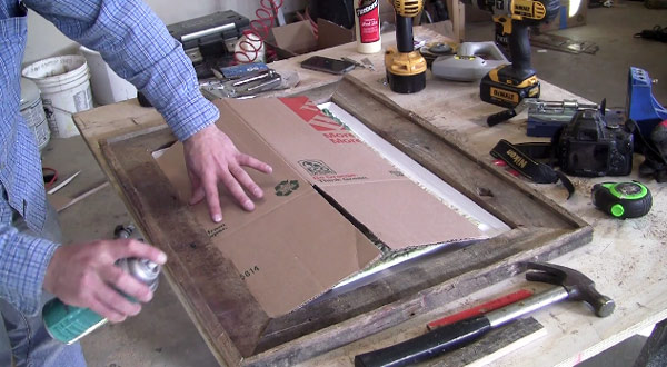 how-to-seal-a-pallet-picture-frame