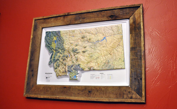 How to make a frame out of a pallet for How to make a large picture frame