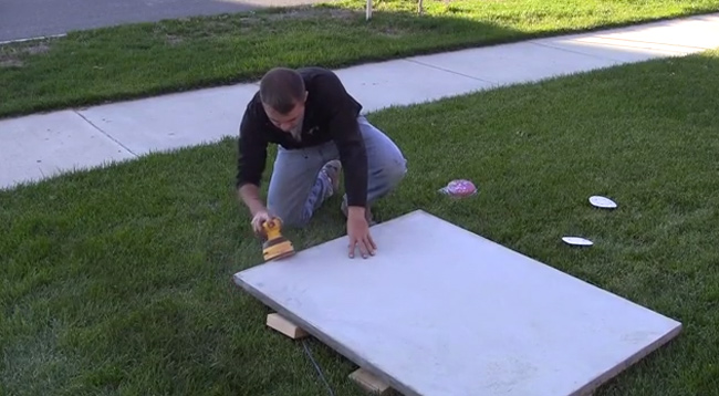 sanding-concrete-table-diy-pete