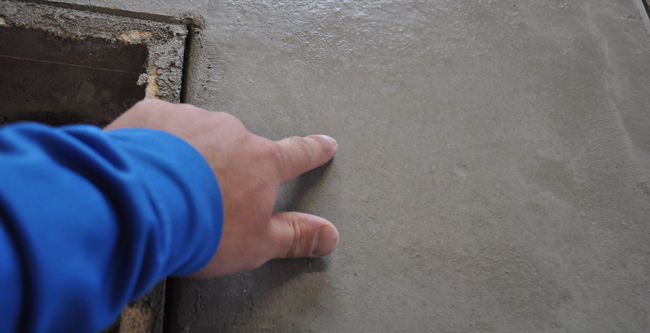 hard-trowel-concrete-counter-finish