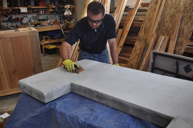 sanding-a-concrete-counter