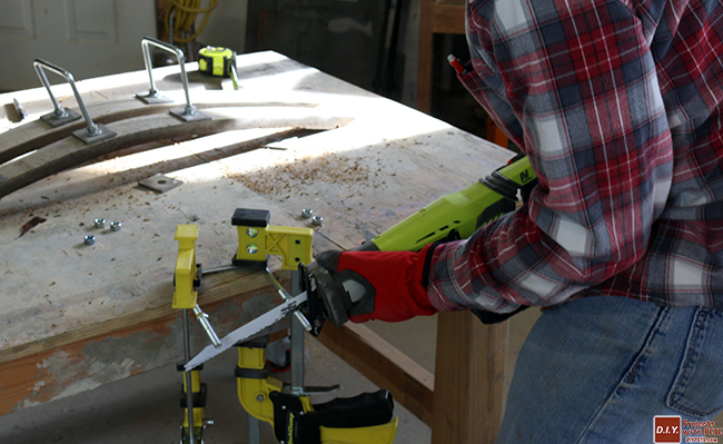 sawing-u-bolt