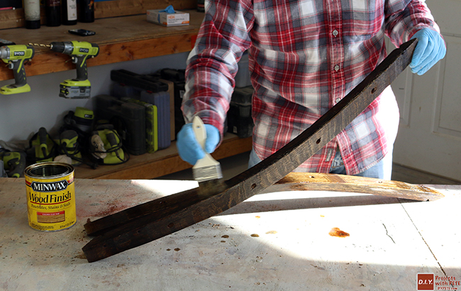 staining-wine-barrel-staves