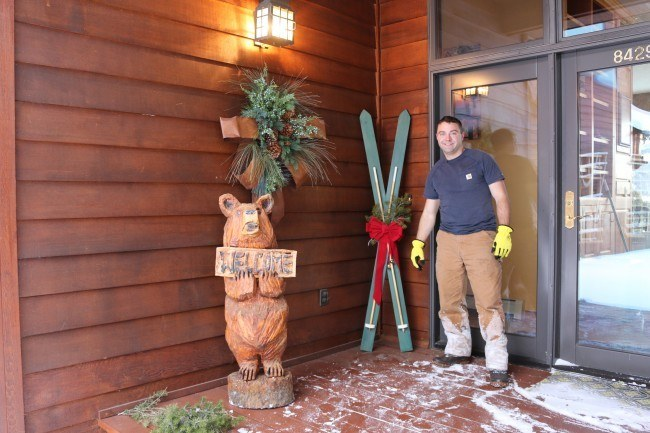 decorative skis, wood ski decor, diy ski, diy, ski, skiing, wood skis, wood ski
