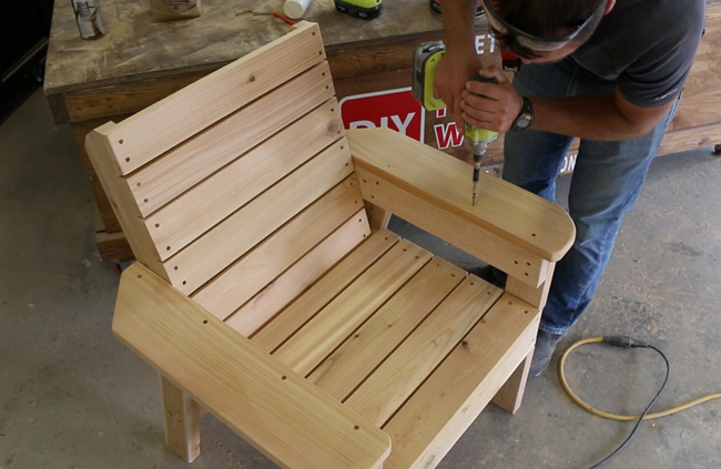 Assembling Cedar Patio Chair Armrests