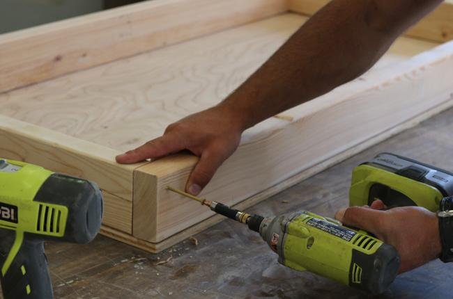 assembling-cornhole-boards