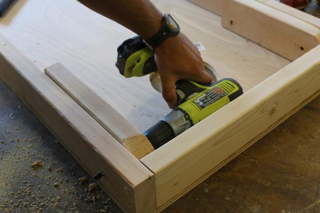 cornhole-board-legs