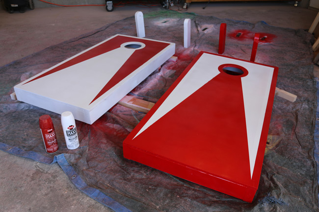 diy-cornhole-boards-paint