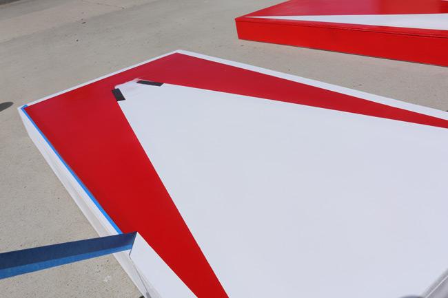 removing-cornhole-board-stencils