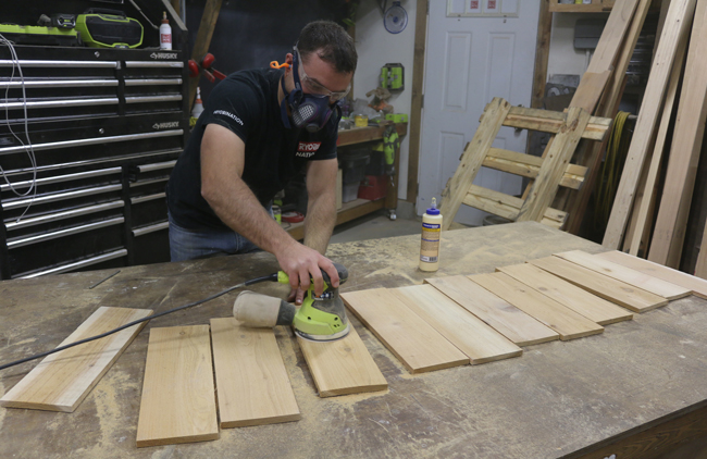how to sand cedar pickets