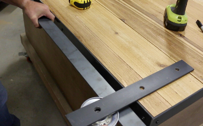 How to Make a Sliding Barn Door - Free Plans | DIY Projects