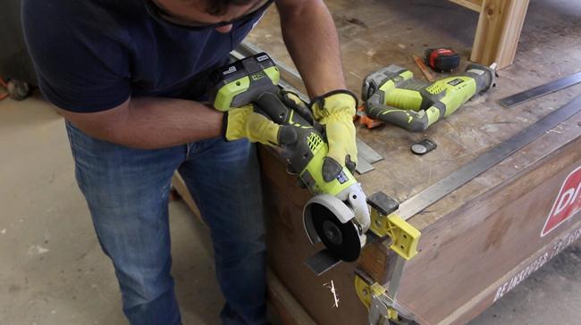cutting steel flat bar