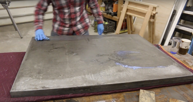 sealing the bottom of a concrete counter