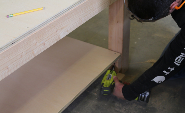 workbench with shelf plans