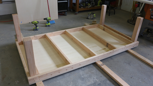building a work bench with wheels