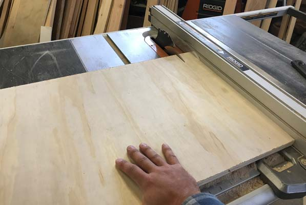 Tablesaw cuts for Entryway Hutch