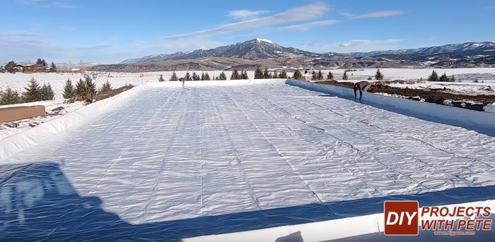 best liner for outdoor hockey rink