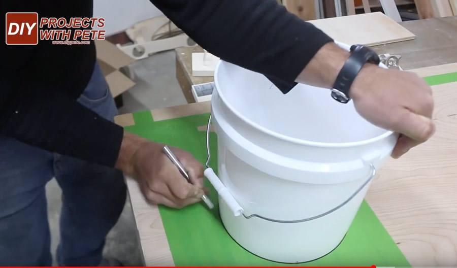 how to make a hole stencil for cornhole