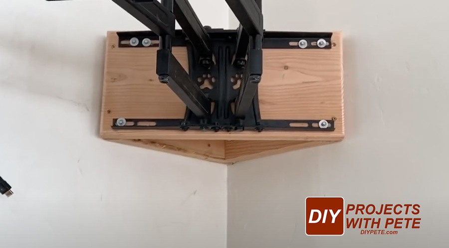 corner bracket for tv