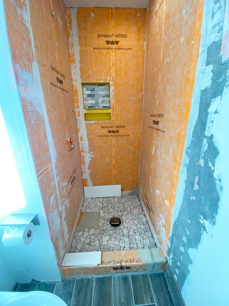 Shower floor tile for small bathroom ideas